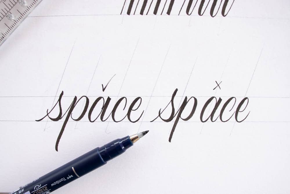 Good letter spacing vs poor letter space - Lettering Daily