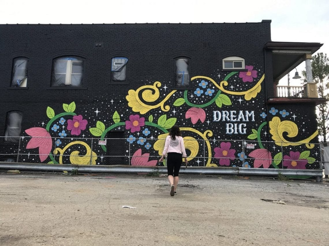 HOW TO CREATE HAND LETTERING MURALS - Lettering Daily